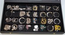LOT ASSORTED STERLING AND SILVER CHAIN BRACELETS. APPROXIMATE WEIGHABLE SILVER 7.69 OZT