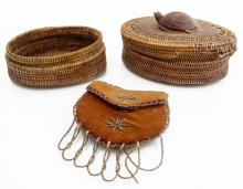 LOT (3) INCLUDING INUIT AND EASTERN WOODLAND INDIAN INCLUDING WOVEN PINE NEEDLE BOX WITH TURTLE FETISH (IMPERFECTIONS)
