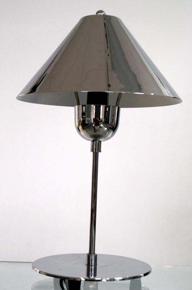 DESIGNER MODERN CHROME STEEL DESK LAMP. HEIGHT 16