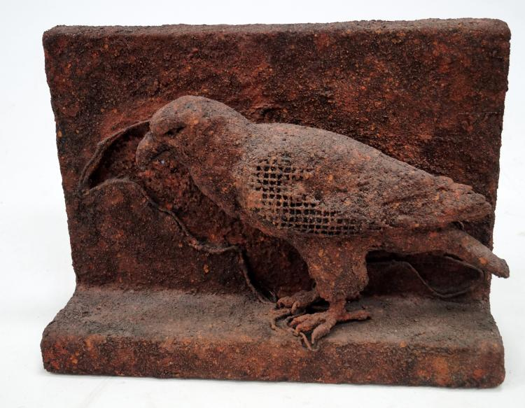 AMERICAN SCHOOL (20TH CENTURY), WIRE MESH, FIBER GLASS, CEMENT SCULPTURE OF A RAVEN, UNSIGNED. HEIGHT 13