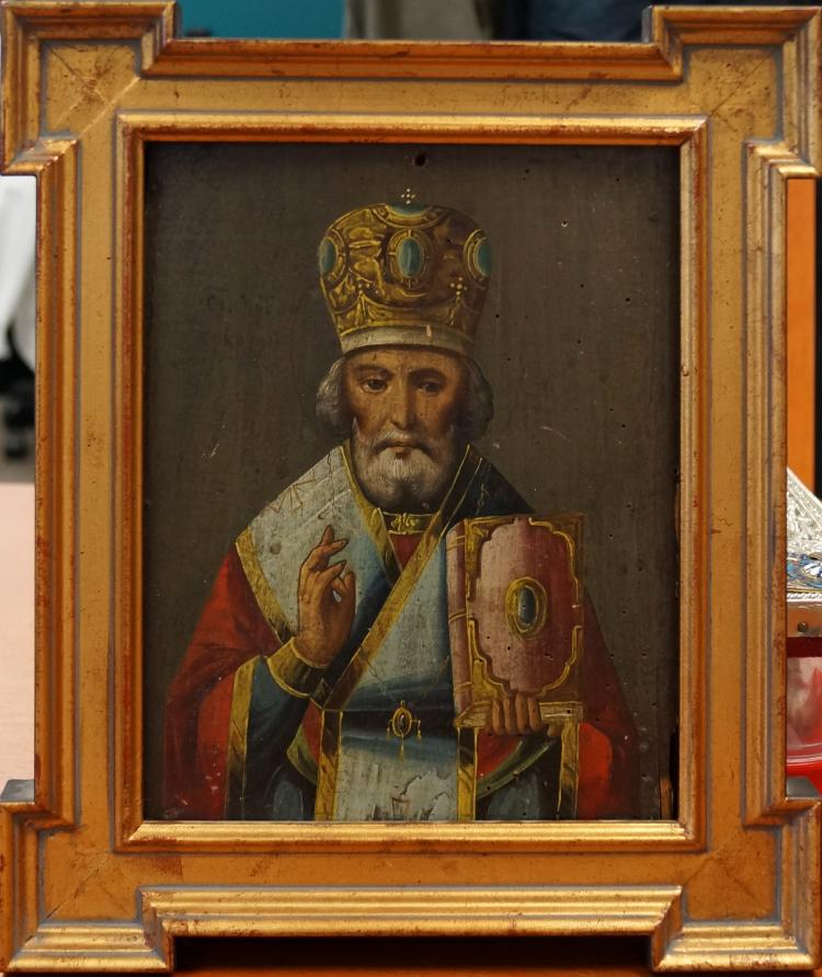 RUSSIAN ICON ON WOOD PANEL, ST. NICHOLAS, 19TH CENTURY. 10 X 8