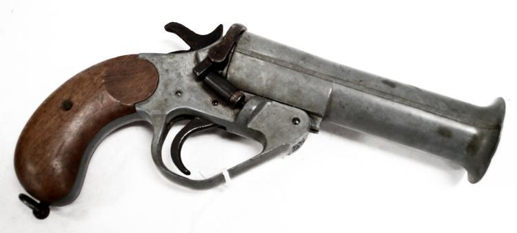 VINTAGE BRITISH FLARE GUN. LENGTH 10