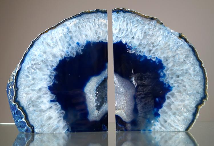 PAIR GEODE QUARTZ SPECIMEN BOOK ENDS. HEIGHT 9