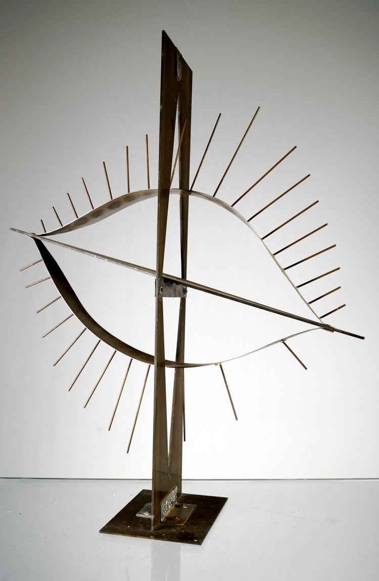 IRVING LEHMAN (AMERICAN/RUSSIAN 1900-1982), SCULPTURE, STEEL AND BRASS MODERN ABSTRACT. HEIGHT 24