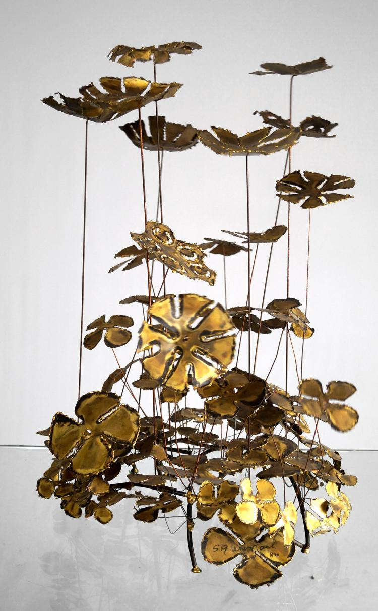 S.G. WEINRACH (AMERICAN 20TH CENTURY), BRASS AND IRON KINETIC SCULPTURE, FLOWERS, SIGNED 1970. HEIGHT 28