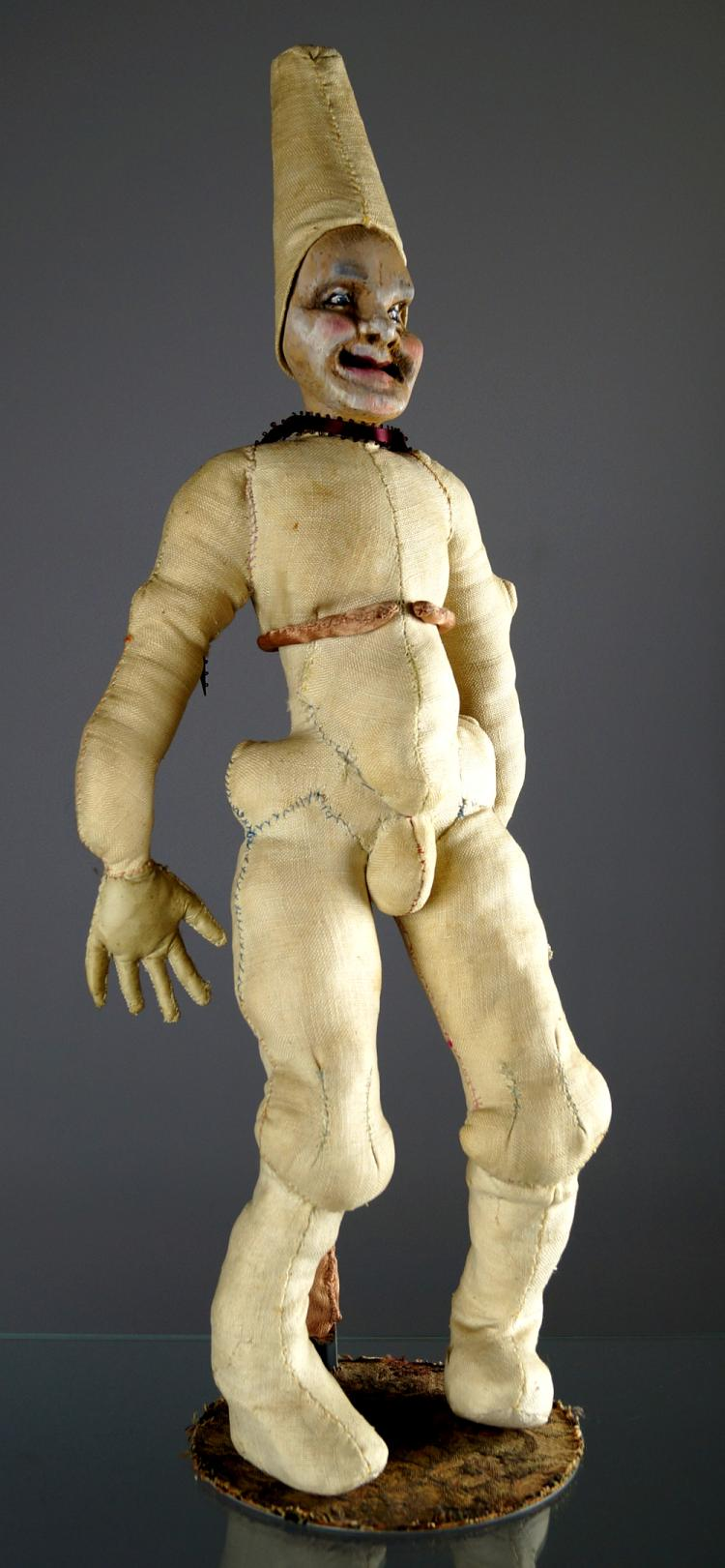 STUART TAYLOR RABB (NEW YORK 20TH CENTURY) HIGHLY UNUSUAL CARVED WOOD AND CLOTH BODY FIGURE OF