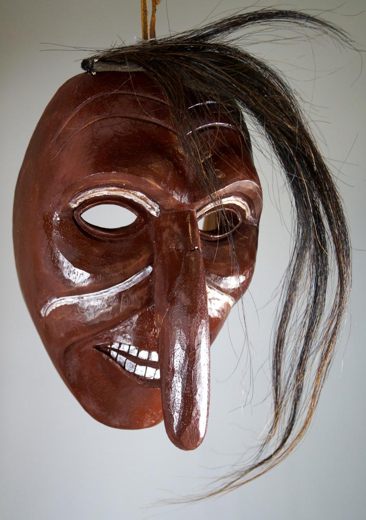 SENECA CARVED PAINTED WOOD LONG NOSE MASK. HEIGHT 10 1/2
