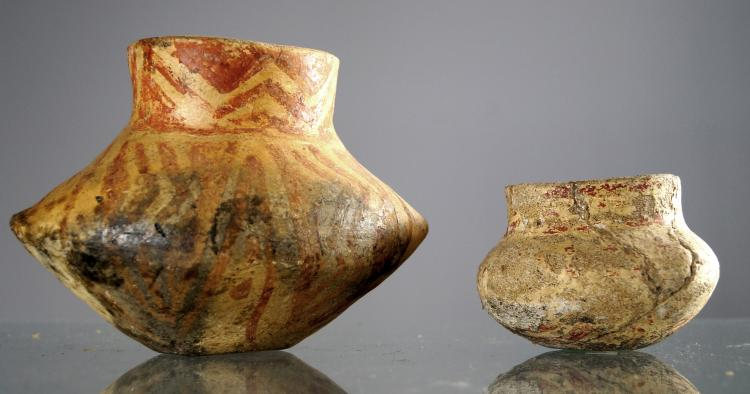 HACILAR, ANATOLIA, LOT (2) CHALCOLITHIC DECORATED POTTERY VESSELS, C.5TH MILLENNIUM BC. HEIGHT 2 3/4-5