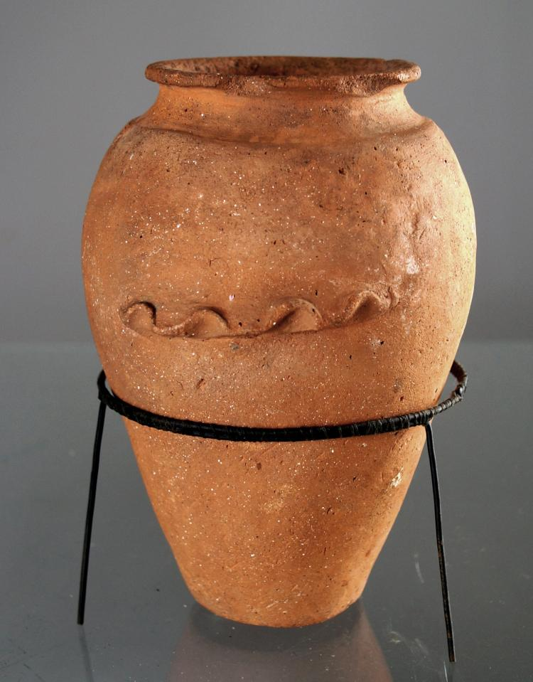 EGYPTIAN PRE-DYNASTIC RED POTTERY JAR, C.4000-3000BC. HEIGHT 7