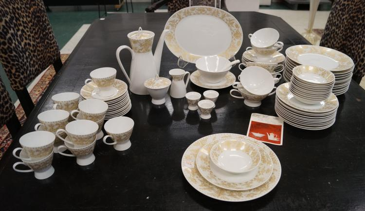 ROSENTHAL STUDIO-LINE DECORATED PORCELAIN DINNER SERVICE