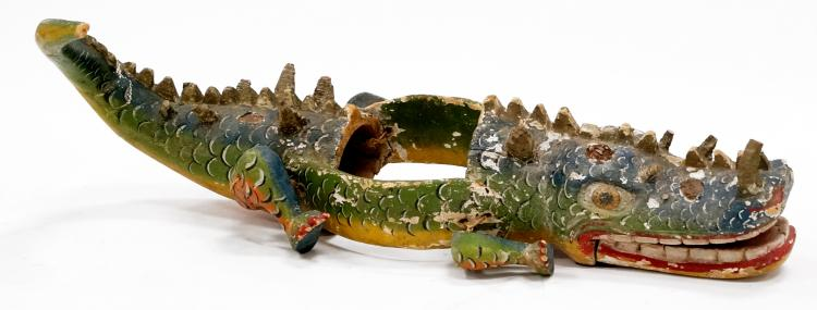 SPANISH COLONIAL CARVED AND PAINTED HEADDRESS ALLIGATOR. LENGTH 36