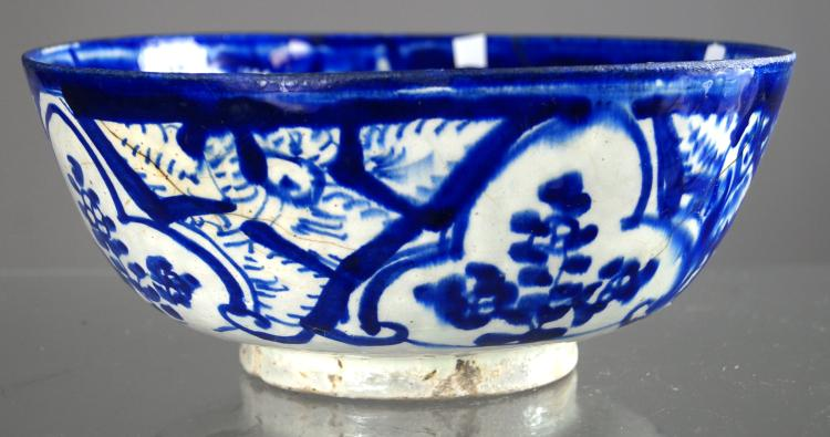 MIDDLE EASTERN FAIENCE DECORATED BOWL, 16/17TH CENTURY. HEIGHT 3 1/2