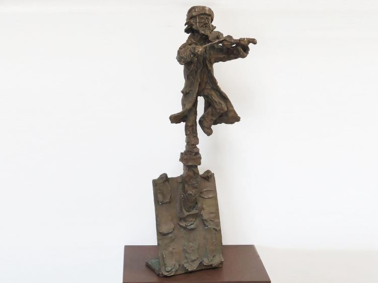 H.R.H. PRINCE MONYO MIHAILESCU-NASTUREL HERESCU (ROMANIA/AMERICAN 1926-), BRONZE, FIDDLER ON THE ROOF, SIGNED. HEIGHT 24