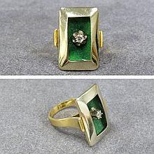 750 YELLOW AND WHITE GOLD, DIAMOND, ENAMEL RING