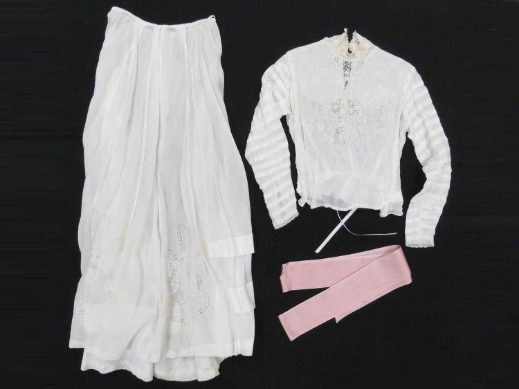 VICTORIAN 2-PART WHITE COTTON LAWN SKIRT & BLOUSE. APPROXIMATELY SIZE 6/8 (SLIGHT STAINING ALONG NECK LINE)
