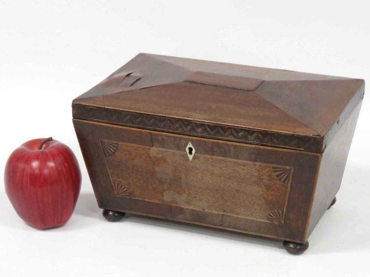 REGENCY INLAID MAHOGANY TEA CADDY WITH FITTED INTERIOR, 19TH CENTURY. HEIGHT 6