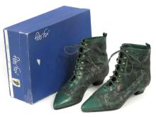 PETER FOX/ITALY GREEN LEATHER BOOTS WITH ORIGINAL BOX. SIZE 9B