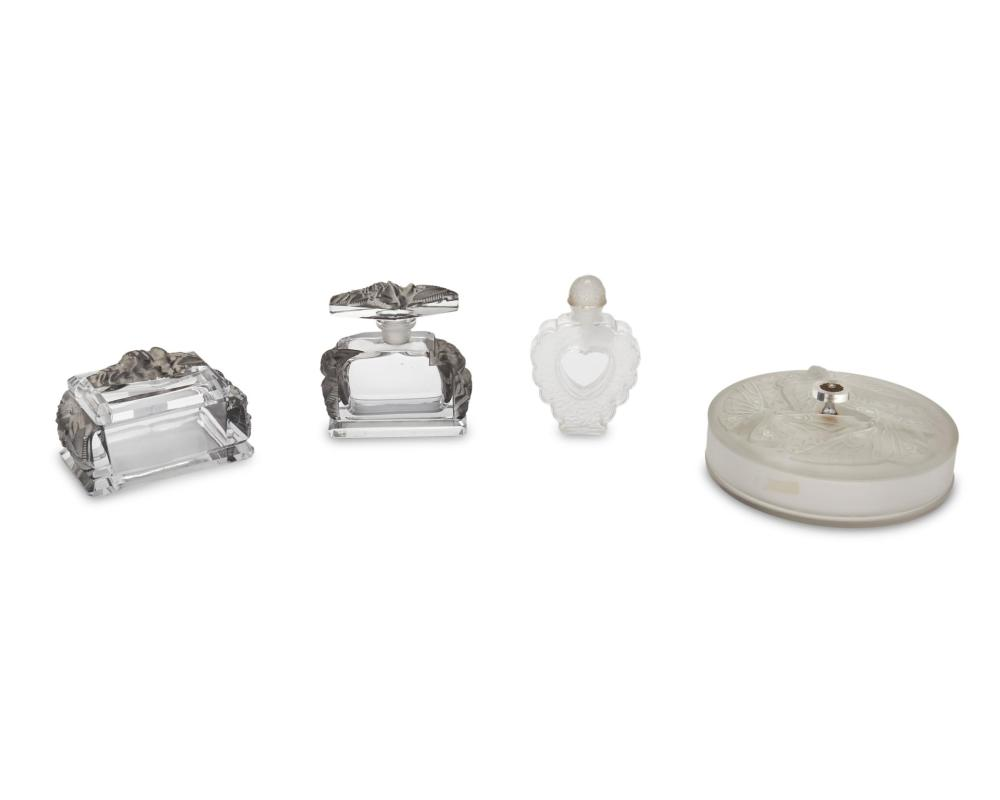 A group of art glass vanity items