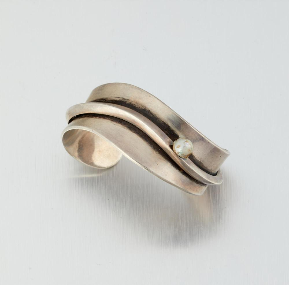 An Antonio Pineda/Los Castillo silver cuff bracelet