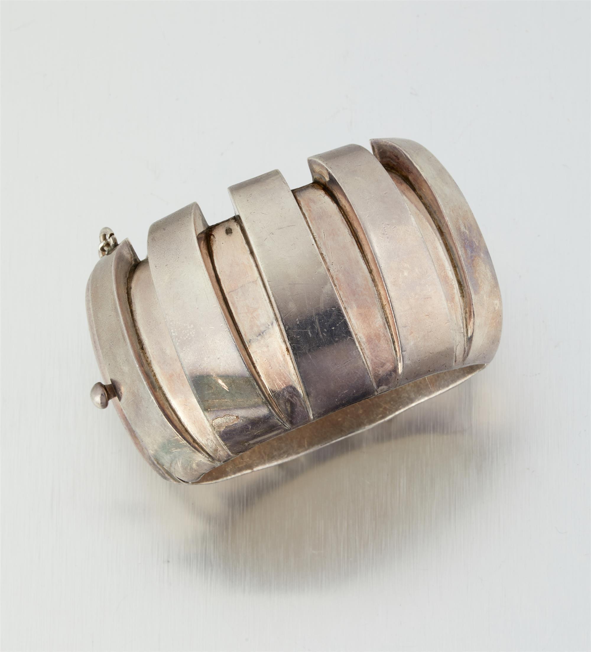 An Antonio Pineda silver bracelet
