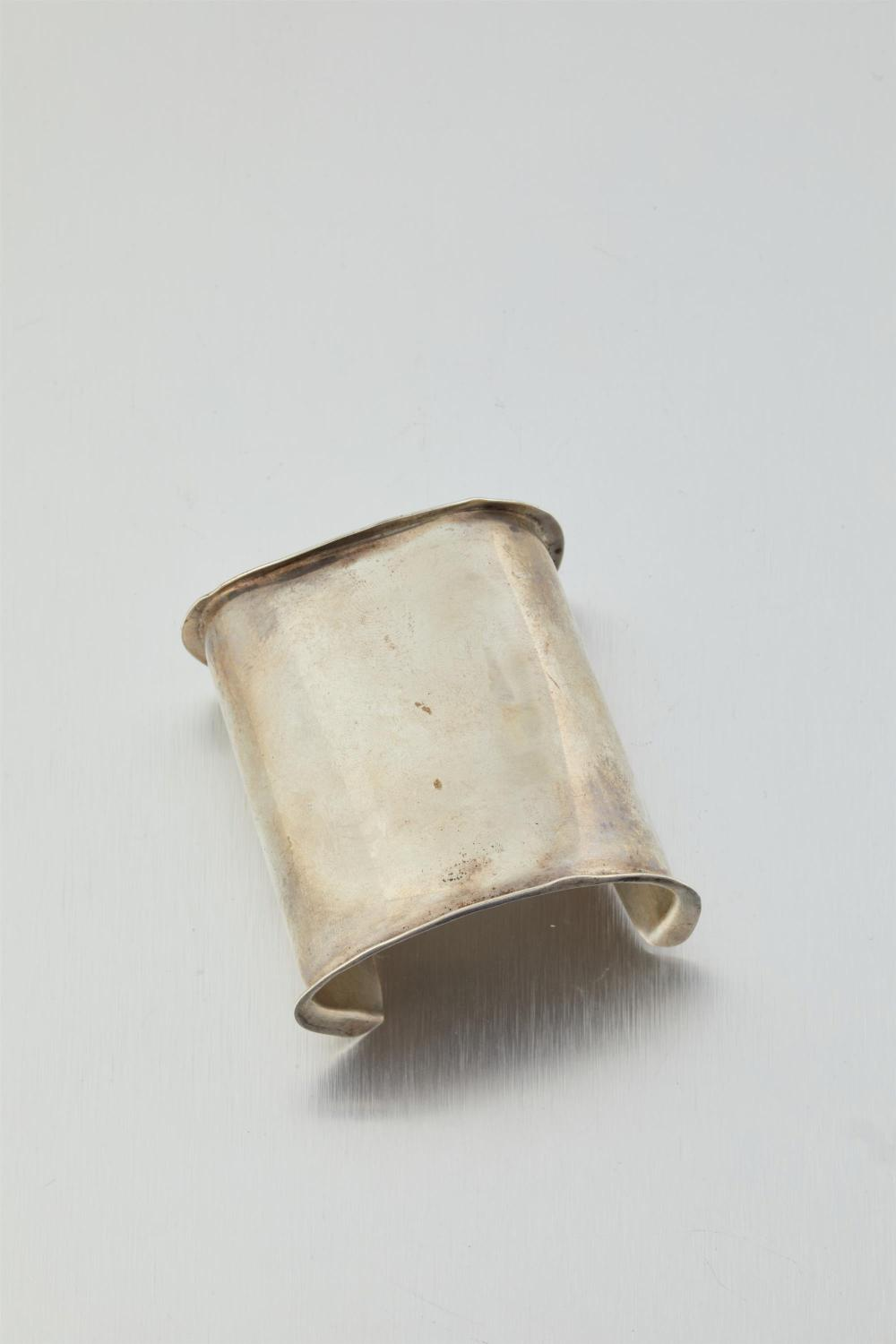 A Tulla Booth Modernist sterling silver cuff