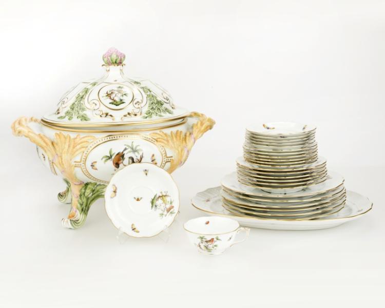A Herend ''Rothschild Bird'' porcelain service