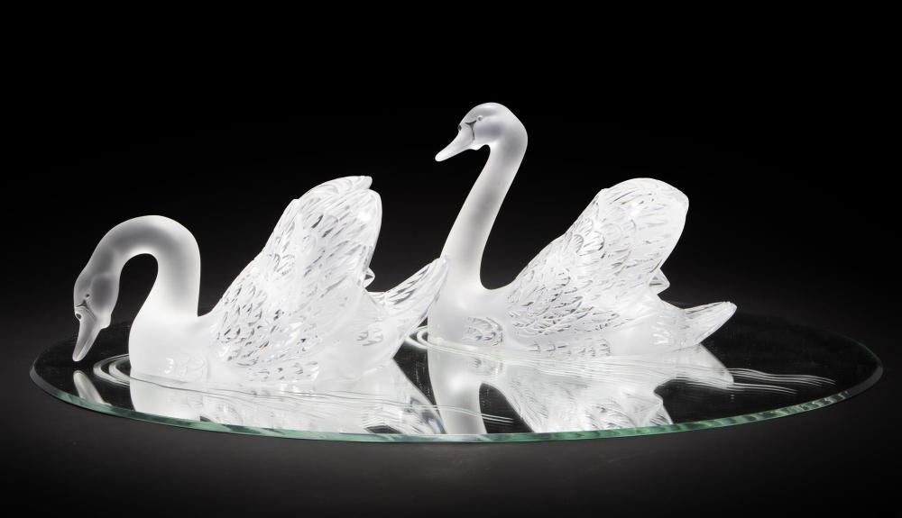 Image ref CAB7AC67DE - A pair of Lalique art glass swans