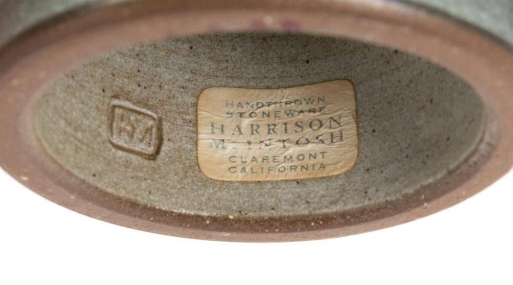 Image ref 272CF56F9F - Harrison McIntosh, (1914-2016, American), Pedestal bowl, third-quarter 20th Century, Stoneware, incised decoration, engobe, 6.25