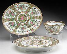 LOT OF THREE FAMILLE ROSE SERVING PIECES.