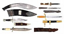 GROUP OF 6 ANTIQUE EDGED WEAPONS.