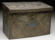 FINE ART NOUVEAU BOX ALFRED DAGUET (1875-1942).