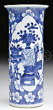 BLUE AND WHITE BEAKER VASE.