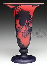 RICHARD CAMEO VASE.