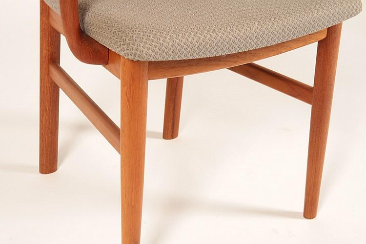 Pair danish modern teak arm chairs mobel fabrik for Danish design mobel