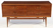 MID CENTURY MODERN CHEST OF DRAWERS 1960