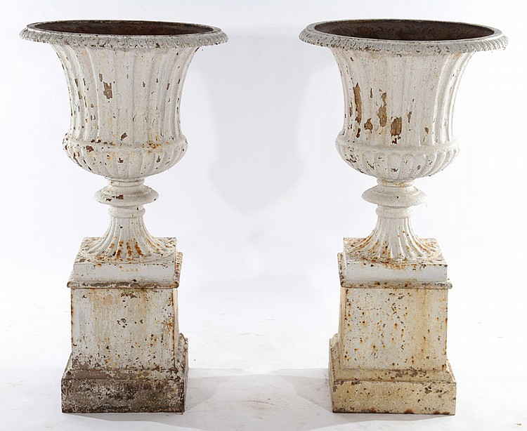 Pair cast iron campagna form garden urns for Home decor 1910