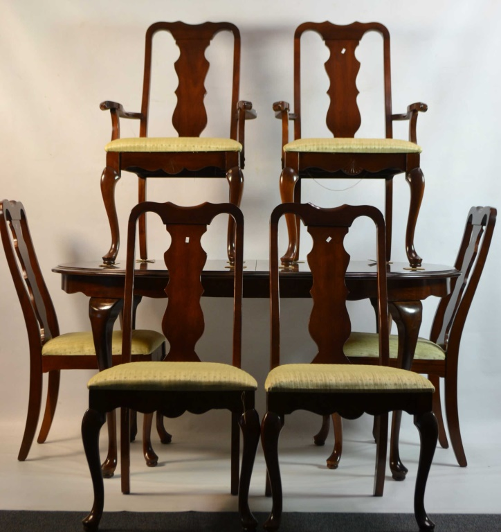 Broyhill dinning room set w 6 chairs and 2 leafs for Broyhill american era bedroom furniture