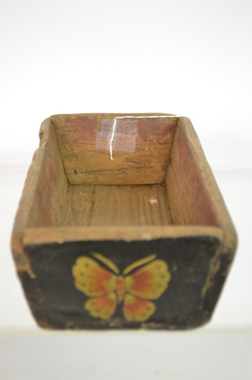 Antique American Folk Art Decorated Box