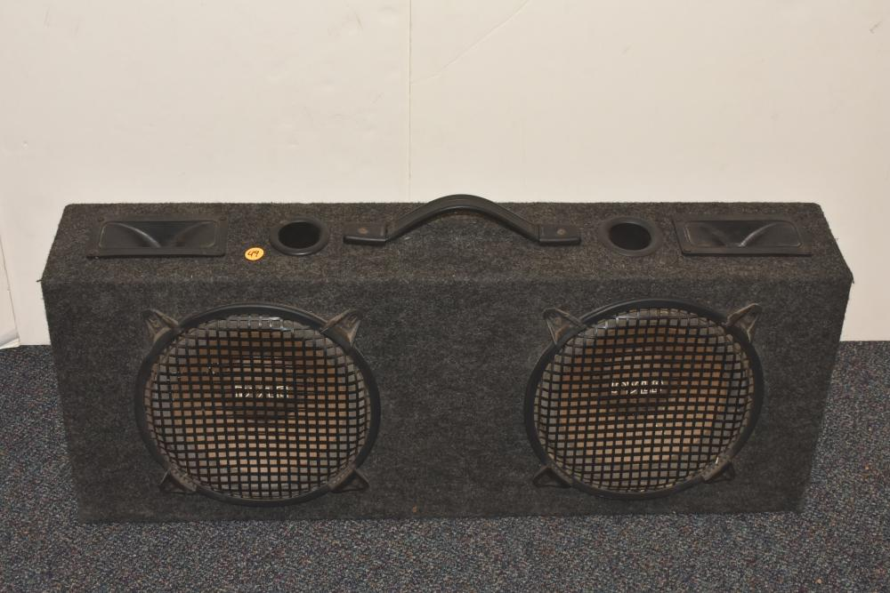 Pair of Pyle Auto Base Reflectors in Speaker Box