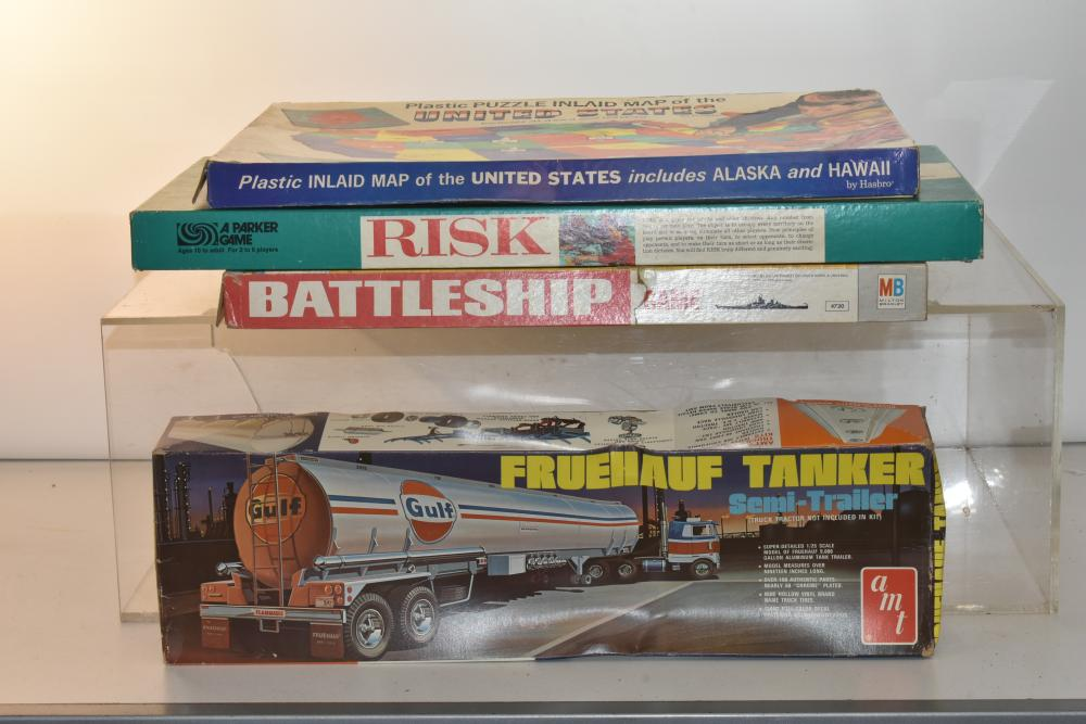 Vintages Games and a Model