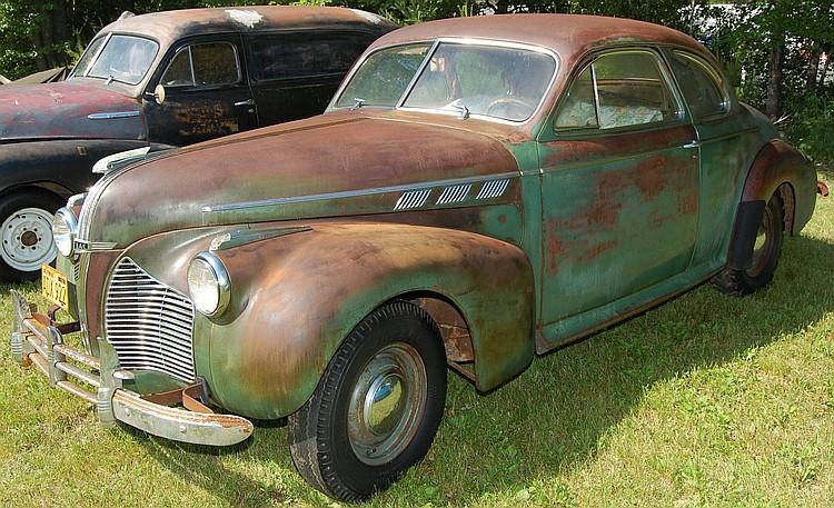 1940 pontiac silver streak 2 door sedan