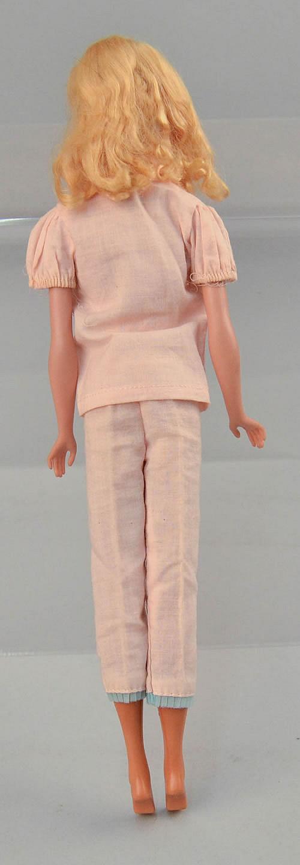 1960-1961 MATTEL #4 BLONDE PONYTAIL BLONDE BARBIE DOLL IN AN ORIGINAL (2) PIECE PINK PAJAMA SET