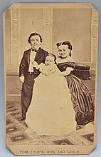 19TH CENT. C.D.V. PHOTOGRAPH OF TOM THUMB, WIFE & CHILD