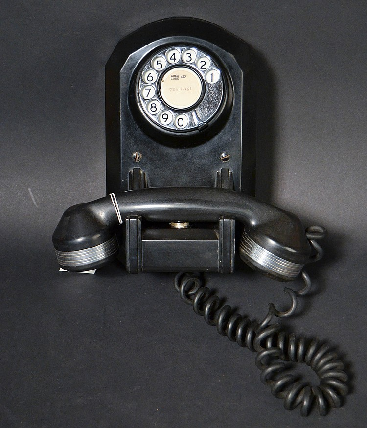 "VINTAGE AUTOMATIC ELECTRIC MODEL ""50"" WALL TELEPHONE WITH CHROME TRIM"