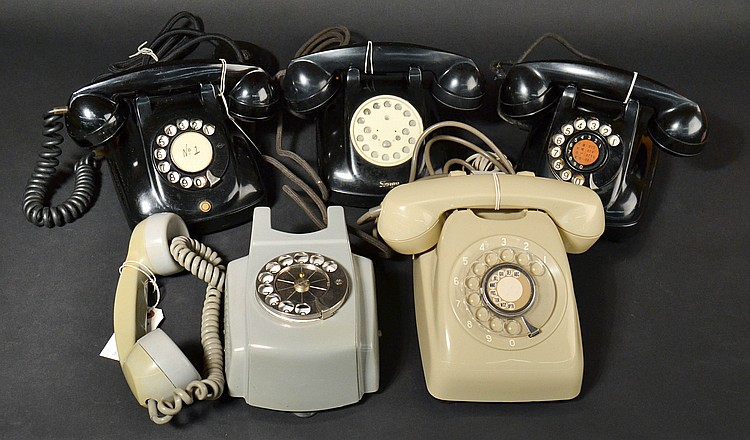 (5) DIFFERENT VINTAGE JAPANESE COLORED PLASTIC TELEPHONES
