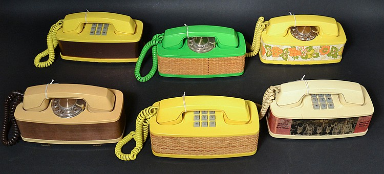 (6) DIFFERENT VINTAGE WESTERN ELECTRIC TALL STYLE ACCENT MODEL DESK TELEPHONES