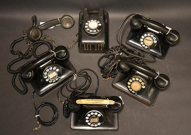 "(5) DIFFERENT VINTAGE NORTH ELECTRICK ""H"" SERIES STYLE TELEPHONES"