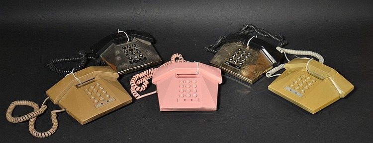 (5) DIFFERENT TELEQUEST COLORED PLASTIC TELEPHONES
