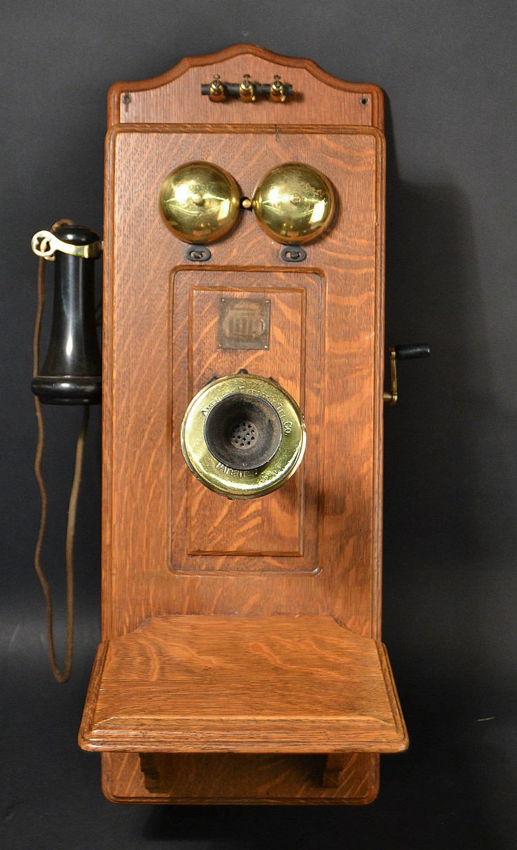 VITNAGE AMERICAN ELECTRIC TEL. CO. CHICAGO ILL. - OAK CASED CATHEDRAL TOP - PICTURE FRAME FRONT WALL TELEPHONE