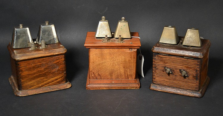 (3) DIFFERENT VINTAGE EXTENSION RINGERS WITH COW BELL GONGS IN WOODEN CASES